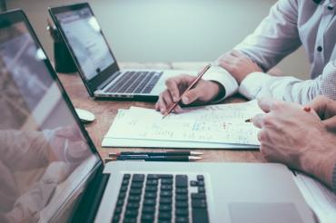 Оценка через онлайн бизнес-симуляцию